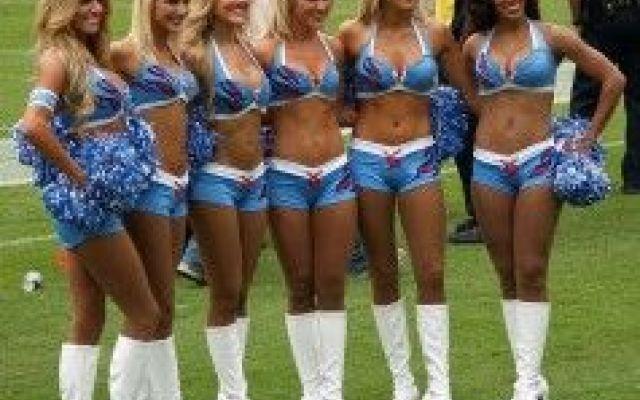 Napoli: la prima squadra ad avere le cheerleaders