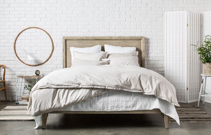 Parachute offers luxurious bedding basics at an accessible price. Get bundled bedding sets, bedding separates such as pillowcases, down duvets and more.