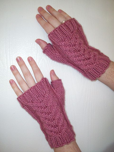 Fingerless Gloves Knitting Pattern Ravelry : 348 best images about Gloves & mittens on Pinterest Free pattern, Knit ...