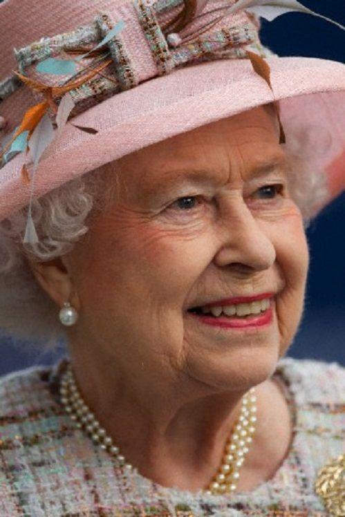 Queen Elizabeth 39 S Pink Decorative Hat Details During The