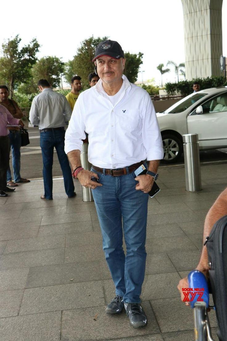 Mumbai: Anupam Kher spotted at airport - Social News XYZ