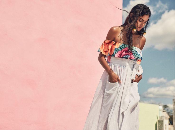 De longe, Mara Hoffman é uma de nossas estilistas favoritas. Mais uma vez, sua coleção está impecável e nos trouxe muita inspiração. Nascida em Buffalo, NY, adesigner de moda épós-graduação da Parsons School of Design, em Nova York, tendo também...