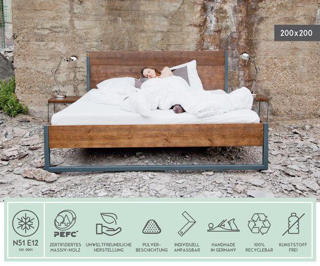 **original Massivholz Bett**  **Made in N51E12** Made in Germany Designklassiker inspiriert vom Bauhaus-Design. Die Möbel bestechen durch ihre klaren Formen und elegant-reduziertes Design....