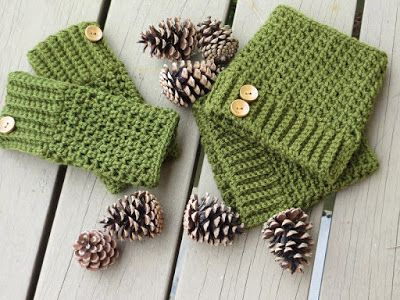 10 {Adorable} Boot Cuff Patterns and Tutorials