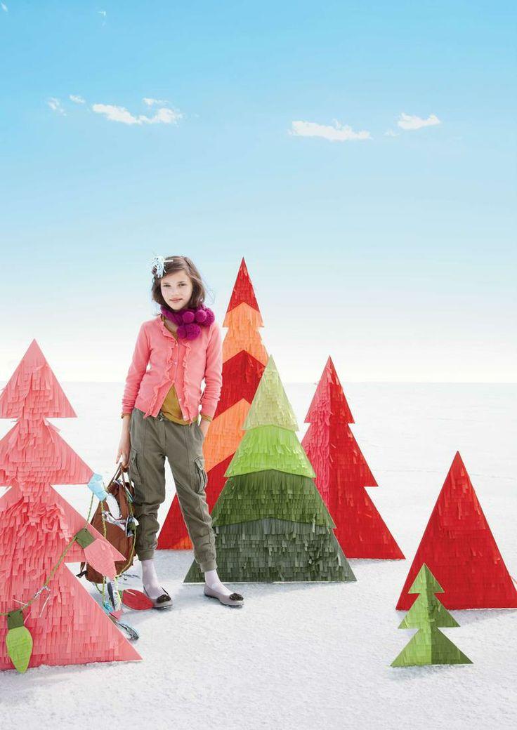 confetti systems for crew cuts: Winter Trees, Christmas Windows, Windows Display, Christmas Trees Ideas, Christmas Display, Small Spaces, Paper Trees, Tiny Home, Confetti System