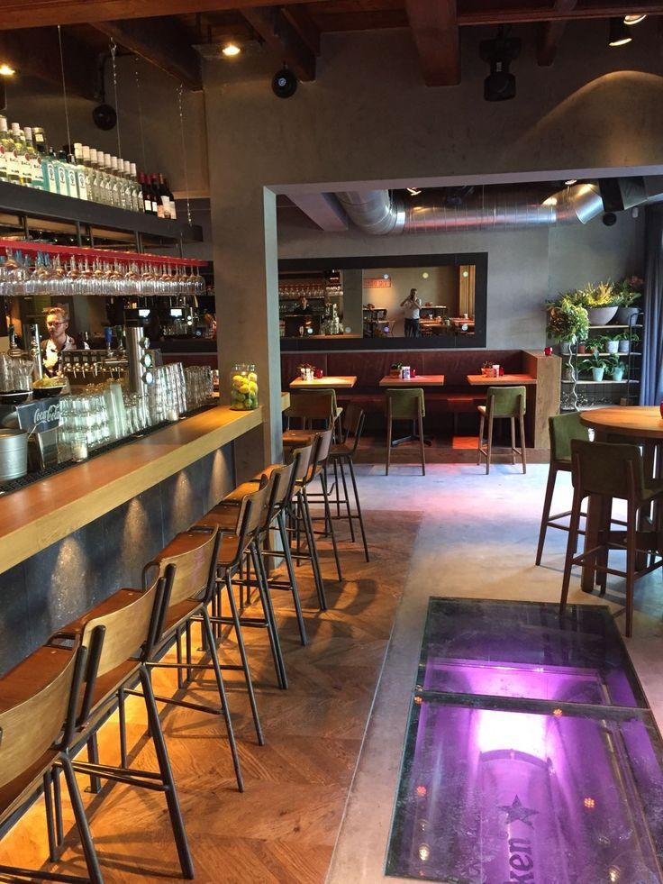 Café de beurs, Utrecht cementlook