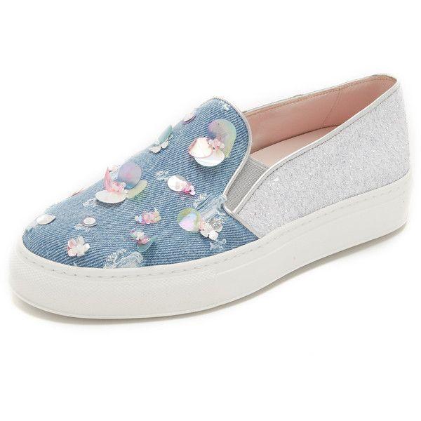 Minna Parikka Maya Slip On Sneakers (8.610 CZK) ❤ liked on Polyvore featuring shoes, sneakers, flats, scarpe, denim, metallic flats, denim sneakers, glitter flats, metallic sneakers and metallic slip on sneakers