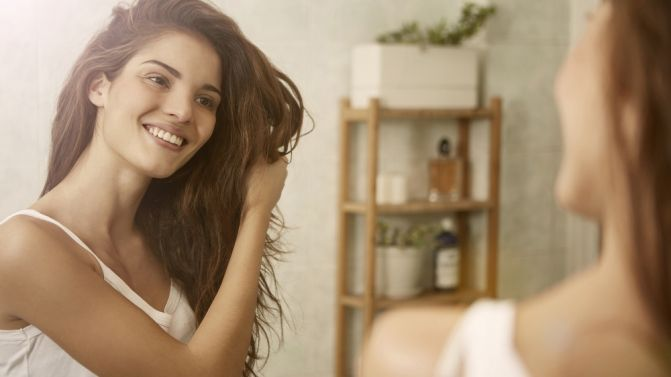 Bad Hair Day?: Conheça os hábitos que estão a estragar o seu cabelo. #Bad #Hair #Day? #Conheça os #hábitos que estão a #estragar o seu #cabelo   #saudável #sedutor #cuidados #diários #hábitos #TrendyNotes #deixar de #estragar o seu #cabelo e torná-lo #mais #saudável e #brilhante #mexer #enrolar #lavar