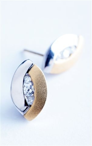 18ct yellow and white gold with diamonds