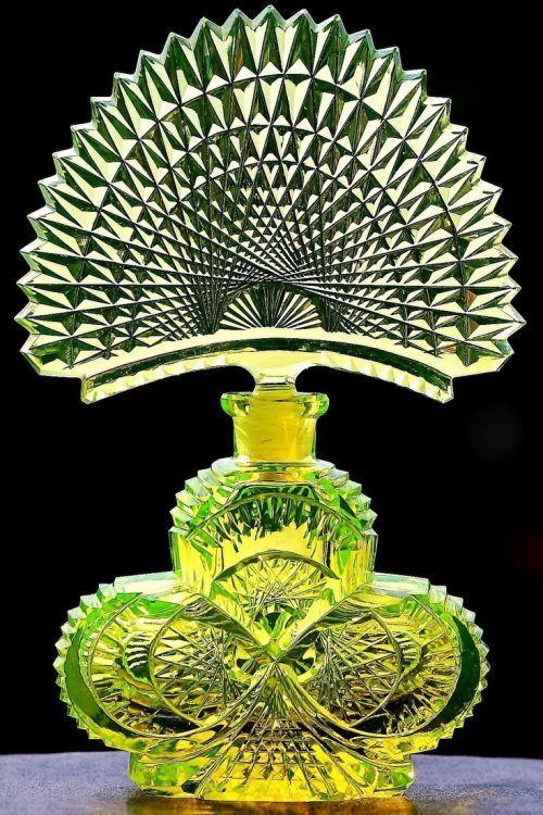 Vintage Czech Uranium Shamrock Shaped Perfume Bottle ca.1918. Signed Pesnicak at the bottom.