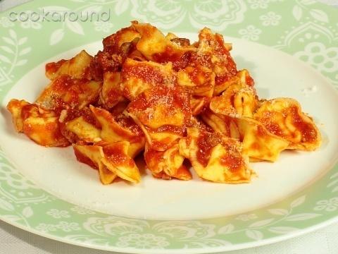 Cappelletti, Emilia Romagna typical recipe by @Cookaround [ #ravenna #myRavenna]