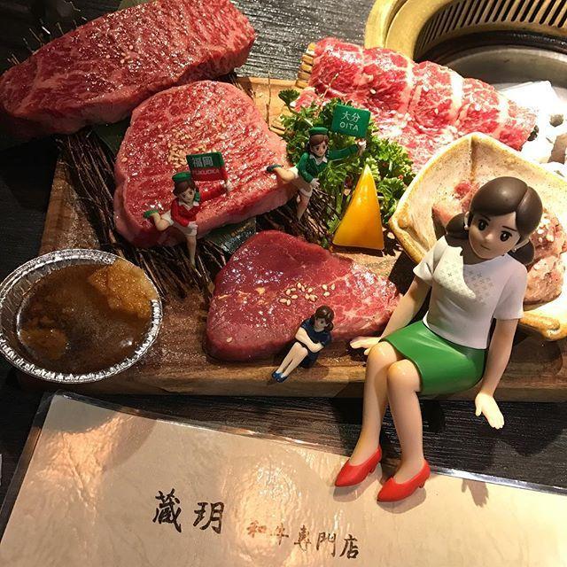 最近很紅的阿緣出現好多次 #台中市 #藏玥和牛燒肉 #肉 # #杯緣子#奇譚クラブ#限定#フチ子#フチ子の病#公仔#扭蛋#fuchiko#fuchico #kitanclub#kitan#japan#tokyo#taiwan