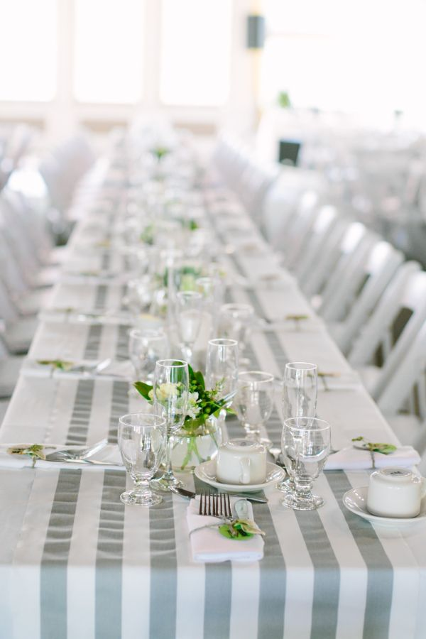 Lovely Wedding Table Runner Ideas - stripped pattern table runners can create an illusion that the table is long. #wedding #ideas
