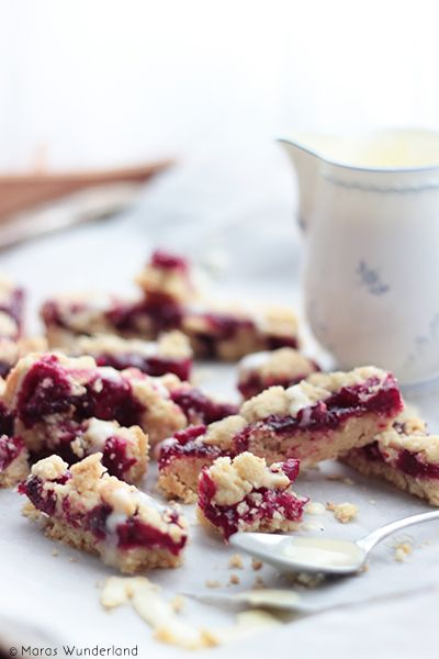Red Berry Crumble Bars: Shortbread, rote Grütze und Streusel