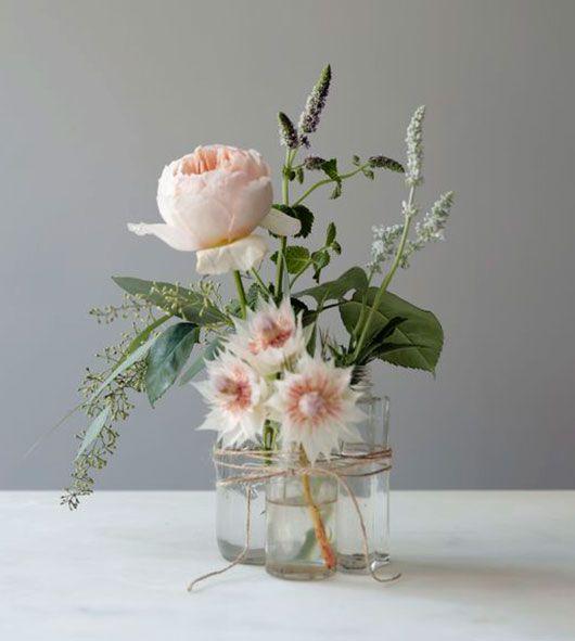blomsterarrangemang smavaser ihop