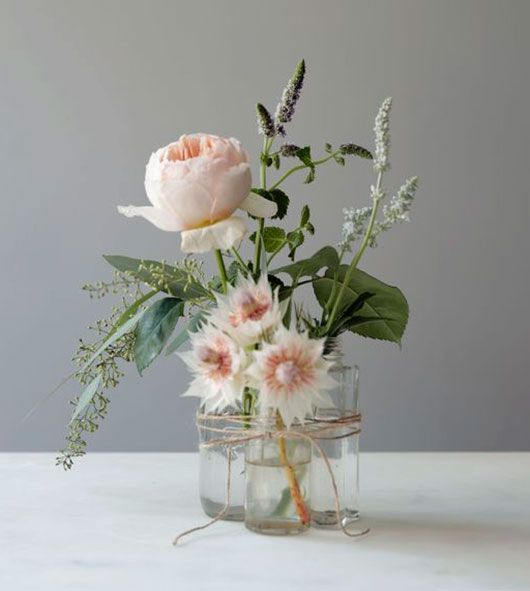 Get inspired to choose your perfect wedding flower arrangements, more inspiration in the Wedding issue of Boulesse magazine...