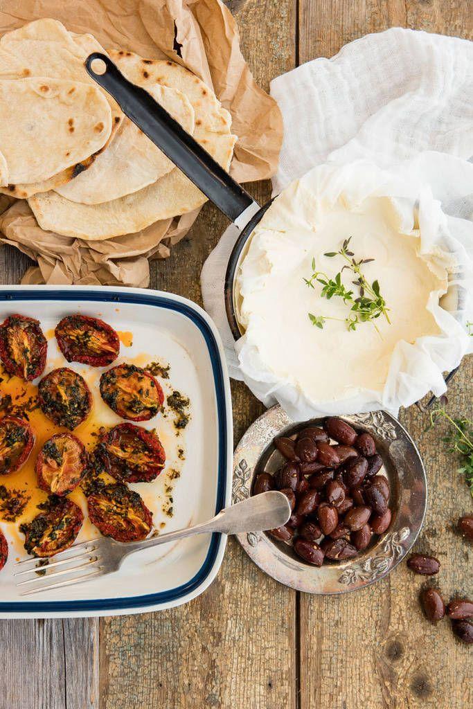 Itse tehty juusto on ihanaa, ja vieläpä helppo valmistaa. Risto Mikkola tekee tänään kotijuustosta italialaisen version.