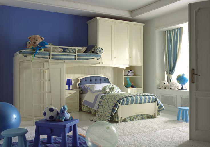 una idea per aggiungere un posto letto nella camera dei bimbi, armadio capiente e finiture a scelta