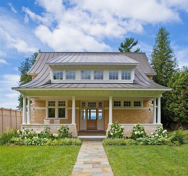 https://i.pinimg.com/736x/83/54/92/835492564f8dd7eb14811fc1feeb4360--farm-house-exteriors-house-exterior-design.jpg