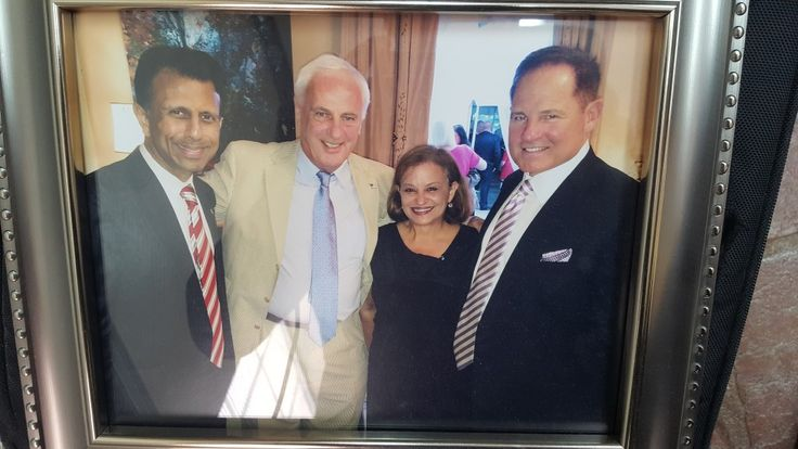 Peter #Egan Sr. and Pamela Egan smile for a #photo with Bobby #Jindal and former #LSU head #football #Coach Les Miles. -   https://www.minds.com/newsfeed/805458461628383232  #politics #Louisiana #PeterEgan #LesMiles   #NCAAFootball #collegefootball