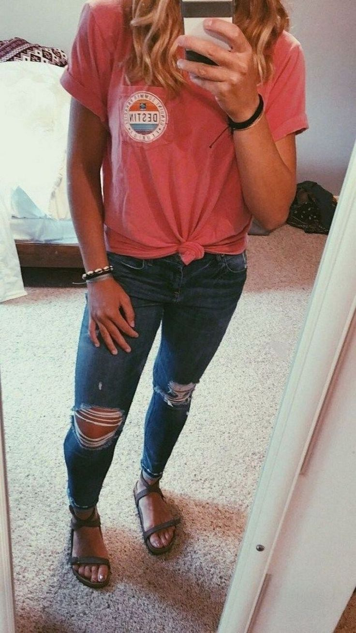 73 Best Casual Outfits for High School #schooloutfitideas #casualoutfitideas #schooloutfits | digitalhiten.com