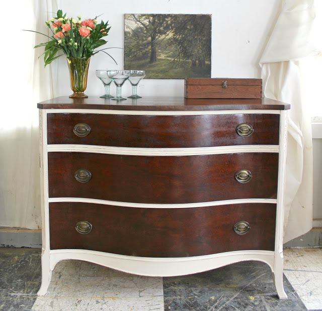 Best Heir And Space A Vintage Mahogany Dresser In Antique 400 x 300