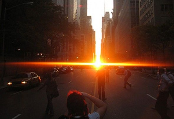 the stunning Manhattan henge, seen on 49th street inbetween two buildings only twice a year