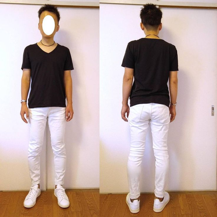 ボトムスを白スキニーに変えてみました。白や淡色のパンツは股関やヒップに陰影ができるのでエロさを演出しやすいアイテムだと思います。足元は同色のスニーカーで脚長効果を狙っています。Tシャツ:SUNSPEL. パンツ:GU. スニーカー:adidas stan smith