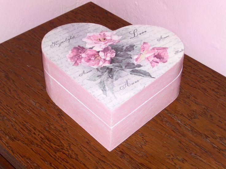 Boîte à bijoux en bois vintage fleur