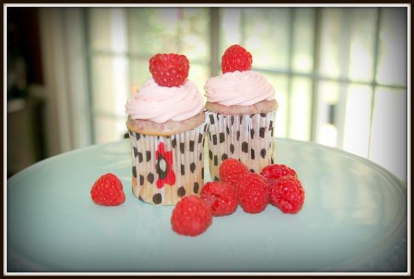 Stories & Sweeties: Sweetness on Sunday: Raspberry Rosewater Cupcakes
