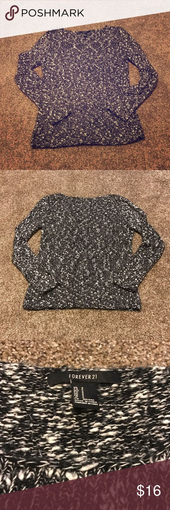 Marled Sweater Size small, black and white marled sweater. Crew neck. Forever 21 Sweaters Crew & Scoop Necks