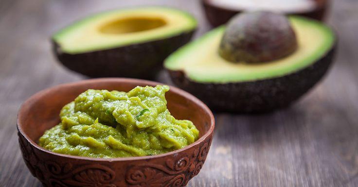 De avocado mag tot de gezondste vruchten in het voedingspatroon worden gerekend. Hier vind je een overzicht van de 12 gezondheidsvoordelen van de vrucht.