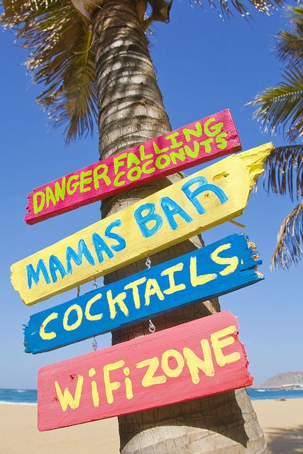 BEACH diy signs.....fun for backyard..great colors too!!
