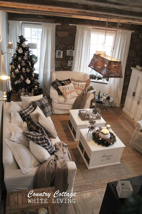 Heute war die Eröffnung vom Country Cottage, das neue Konzept vom Farmhouse. Das Country Cottage ist Showroom, und bald auch ... (White Christmas Living Room)