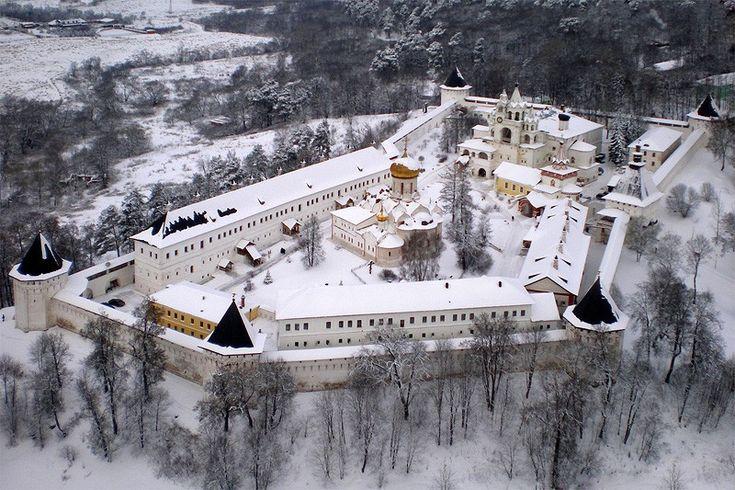 Саввино-Сторожевский монастырь. Звенигород. (Стены середины 17 века)