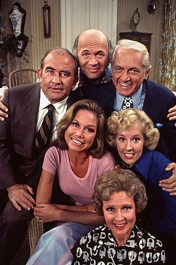 Actor Gavin MacLeod turns 84 today - he as born 2-28 in 1931. We knew him best for his role as Murray Slaughter in the newsroom on The Mary Tyler Moore Show in the 70s and as Cpt Stubing on The Love Boat (1977-'87). Some of his other credits include Operation Petticoat, McHale's Navy and The Sand Pebbles with Steve McQueen.