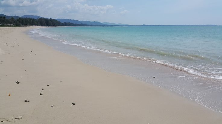 Kao Lak - Thailand's western seaboard. Spot the tourist ?