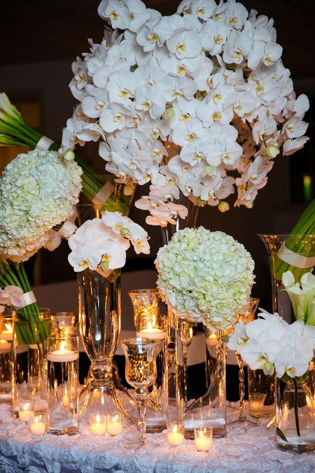 De lujo blanco centrales de la boda