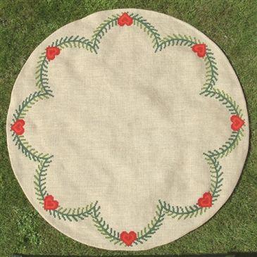 Red Heart Garland Christmas Tree Skirt (Scandinavian Stitches)