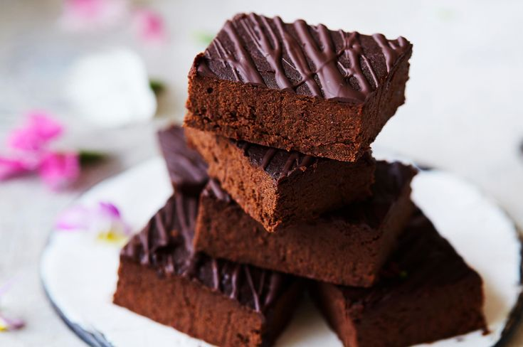 I first tried these brownies whilst interviewing the wonderful Mandy, from Wholesome Child, for Juice with Jess. I could not believe how tasty they were – and with so little added sweetener? The genius here is the black beans – making these brownies super fudgey, and high in folate, iron and fibre. Perfect for kiddies and adults alike! The recipe is from Mandy's new book, Wholesome Child: A complete nutrition guide and cookbook.   Rich Chocolate Black Bean Brownies   Makes: 16 mini
