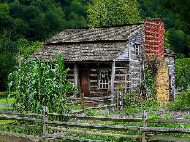 1800s log cabin in West Virginia❤️❤️❤️❤️