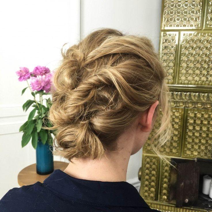 Snabb och enkel håruppsättning för mellanlångt hår