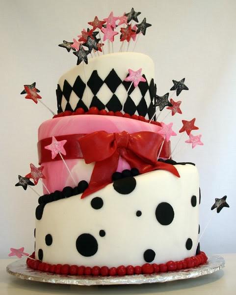 I want this cake!Birthday Freebies, Happy Birthday, Cake Ideas, Black White, Cake Boxes, Wedding Cake, Awesome Cake, Birthday Cake, Pink Cake