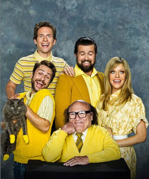 It's Always Sunny In Philadelphia Family Photo....Hilarious!
