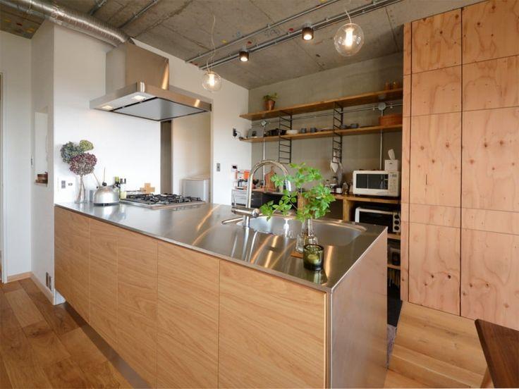 キッチンはMUJIとサンワカンパニーのコラボ商品