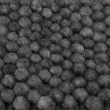 https://www.lys-vintage.com/shop/Hauptnavigation-oxid-1/Textilien/Teppiche/Peas-Teppich-dunkelgrau.html