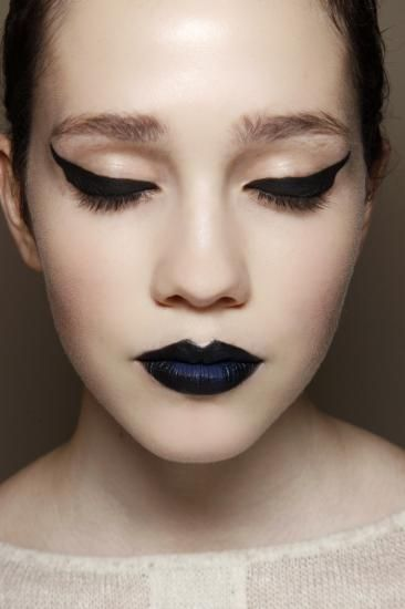 Kuszące ciemne usta! #makeup #party