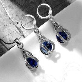 bijuterii cu cristale albastre http://www.bijuteriifrumoase.ro/cumpara/bijuterii-picatura-de-apa-albastru-3296