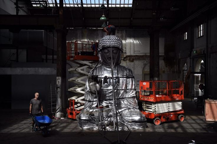 'Sydney Buddha' By Zhang Huan being installed at the Carriageworks.