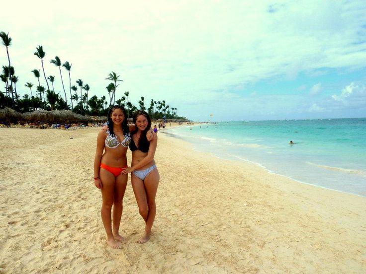 Con mi hermana en Punta Cana, República Dominicana